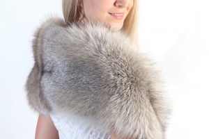 Can brides wear real fur stoles?